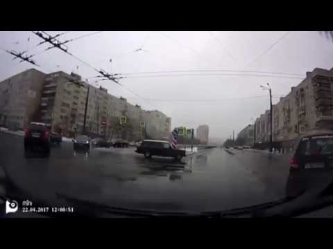 """На перекрёстке Димитрова и Будапештской """"Дэу Матиз"""" столкнулся с пожарной машиной"""