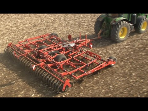 KUHN PROLANDER - field cultivator (in action)