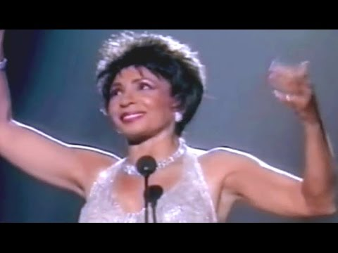 I Am What I Am  -  Shirley Bassey (1998 Viva Diva TV Special)