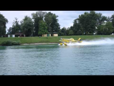 FireBoss AT-802, taking off from Jarun lake in Zagreb