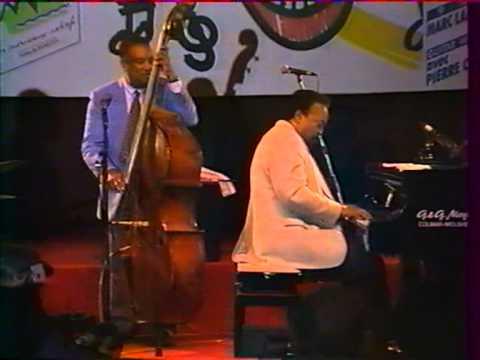 Ray Brown Trio - HoneySuckle Rose (4/6)