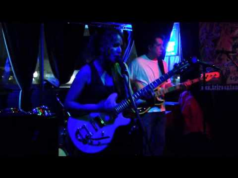 The Nikki O'Neill Band play Kissing My Love - Hurricane Sandy Benefit by NY Cares. Funk.