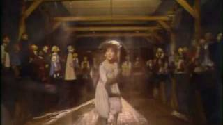 Kate Bush - Suspended in Gaffa - Bananas