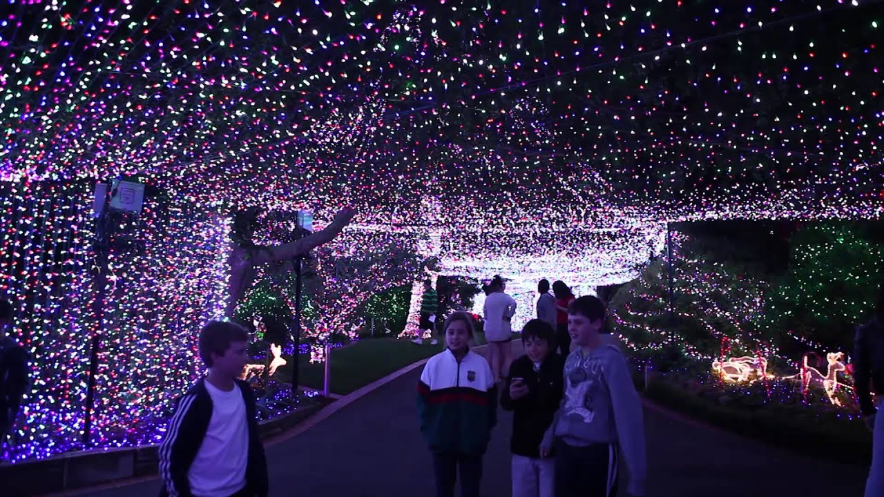 World Record Canberra Christmas Lights Display Video Youtube