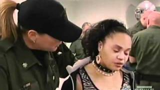 woman gets sent to jail then starts crying for her mamma