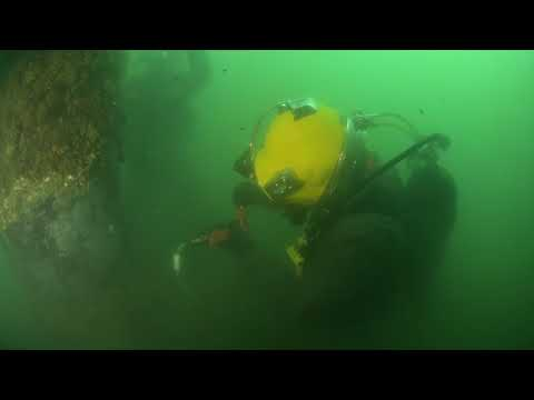 UCT 2 Conducts Underwater Pile Removal at Sasebo, Japan