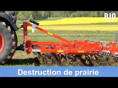 Démo de machines:  destruction d'une prairie par un travail réduit du sol (Mai 2016)