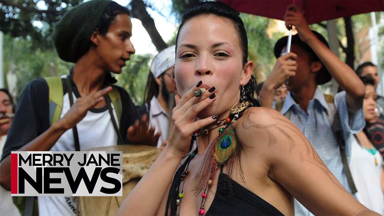 Facts Only: Women Smoke More Weed Than Men | MERRY JANE News