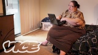 600 Pound Mom Gets Paid to Eat thumbnail