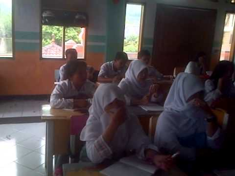 Tembang  Tanah Sunda SMK Guna Dharma Nusantara Kls X A TKJ BandungTH 2015.