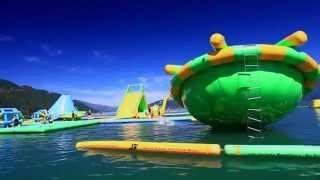 Надувной аквапарк в Канаде(Надувной аквапарк на воде http://water-games.ru/category/naduvnie-vodnie-parki/, 2014-07-16T07:16:30.000Z)