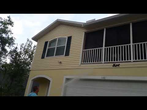 Soft Washing a House in Tarpon Springs Florida 727-200-2352