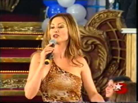 Beautiful Turkish Female Singer (ibo show)
