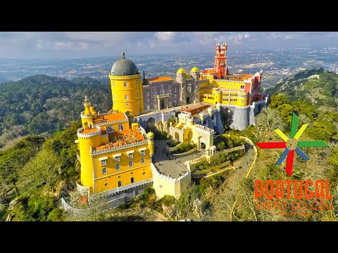 Palacio da Pena aerial view at dusk between the fog - 1440P