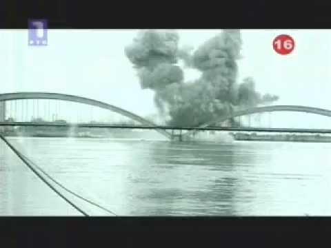 NATO bombardovanje Srbije 1999, Novi Sad, spašavanje sa mosta -  NATO bombing of Serbia