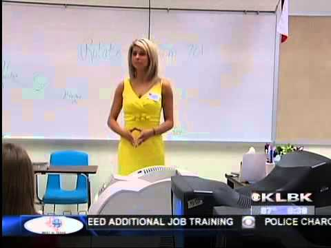 Chief Meteorologist Nikki-Dee Ray Visits Frenship Middle School