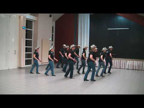 YOU BROKE UP WITH ME - NEW SPIRIT OF COUNTRY DANCE - Line Dance