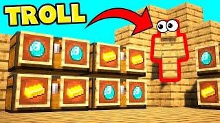 NOBODY SAW ME HIDING IN THEIR BASE! WALL CAMO SKIN! (Minecraft Trolling)