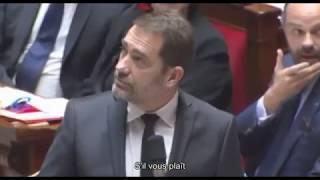 Jean Lassalle porte un gilet jaune à l'Assemblée nationale