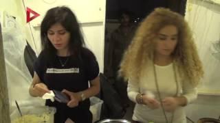 بالفيديو| فتاتان تفتتحان مطعما لوجبات