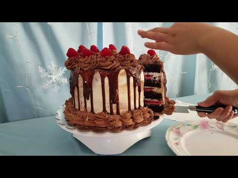Making A Chocolate Raspberry Cake!