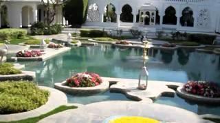 Tour of the Taj Lake Palace in Udaipur, India