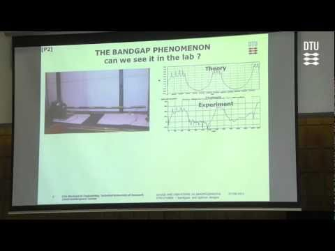 Waves and Vibrations in Inhomogeneous Structures - bandgaps and optimal designs
