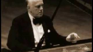 Sviatoslav Richter plays Beethoven Rondo Op. 51, No. 2