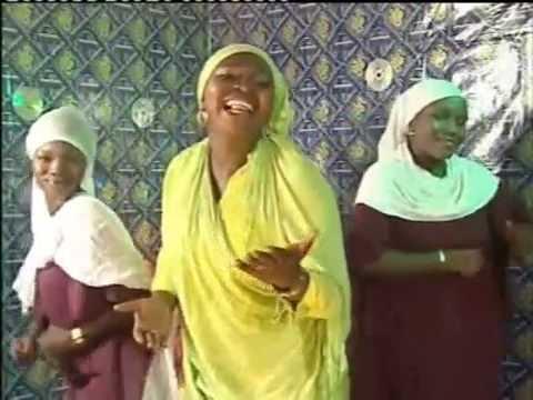 Download Nigerian Yoruba Islamic Music -  'Eni Aye Nfe' by Hajia Kafayat Adebola