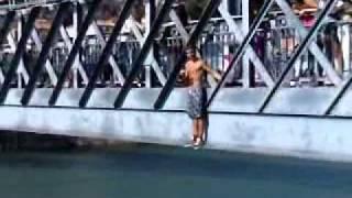 Tiago e Ricardo saltam da ponte d.luis