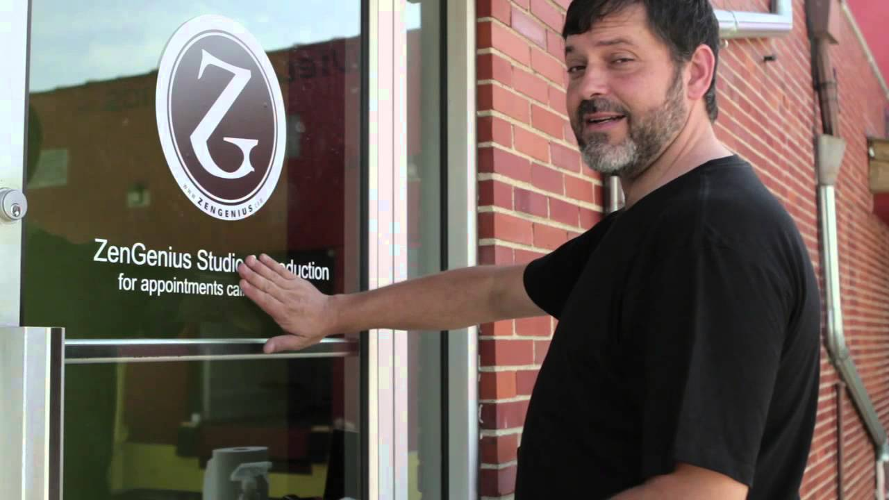Retail Visual Merchandising How To Remove A Vinyl Glass Surface - Custom vinyl decals for glass   removal options