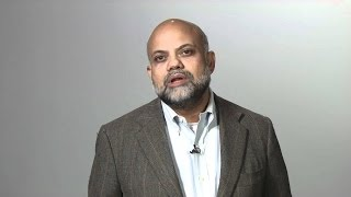 Igbal Quadir diz que telefones móveis combatem a pobreza - Legendado
