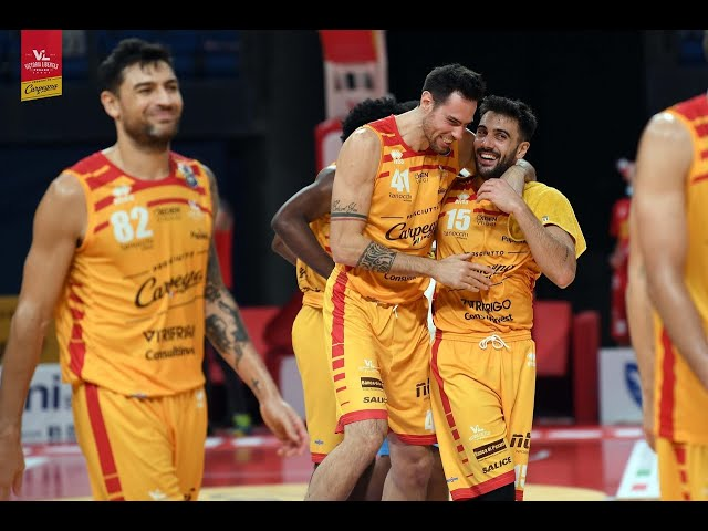 [FullMatch] Carpegna Prosciutto Basket Pesaro - Vanoli Basket Cremona : 95-83