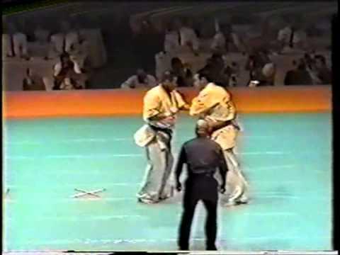 極真会館 2000年全日本ウェイト制大会 樋口恵士 3位決定戦 (Kyokushin 2000 All Japan Weight Categoly) 滋賀空手