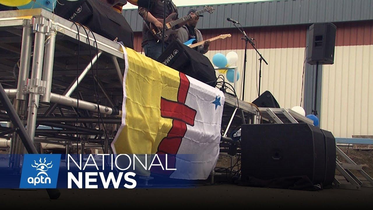 Nunavummiut celebrate Nunavut day and 25 years since land claim signed | APTN News