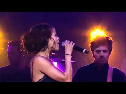 Enrique Ft Nadiya - Tired Of Being Sorry Live