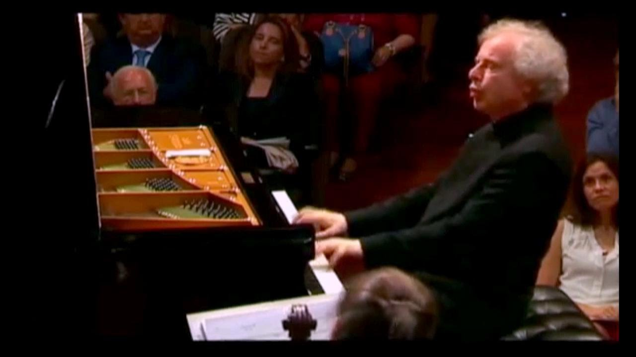 ANDRAS SCHIFF plays Beethoven Piano Concerto in C major - Frexienet Symphony