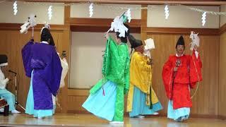 鷹松神社は,JR(日豊本線)高城駅の北東500メートルに南向きに鎮座する...