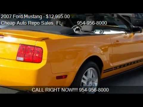 2007 Ford Mustang V6 Deluxe Convertible - for sale in Pompan
