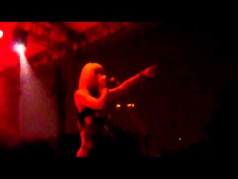 Tonight Alive - Invincible (Live)