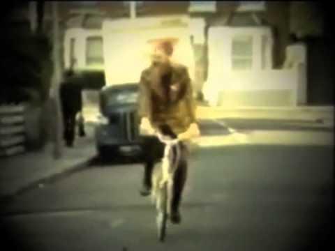 Momus: Uncle Arthur (Bowie cover)