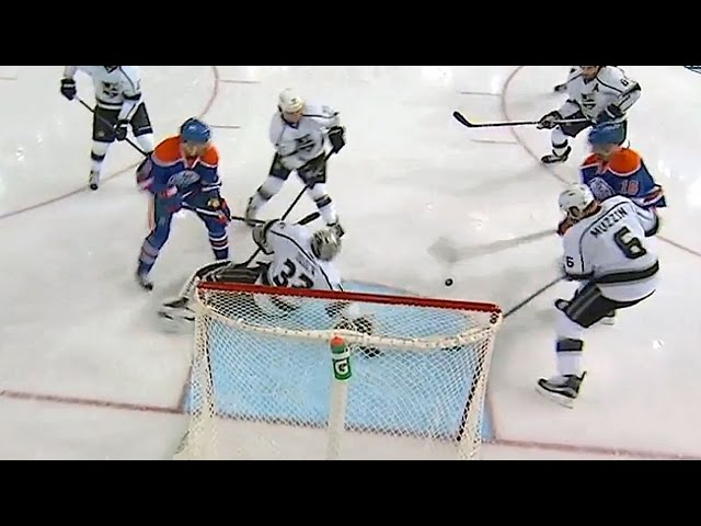 Muzzin and Quick team up for amazing stop