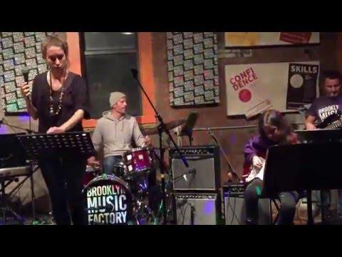 Brooklyn Music Factory - Uma Thurman