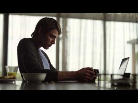 Sony Xperia Z2 Tablet Commercial