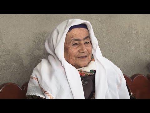 Бабушка Зухро из Душанбе до сих пор создает ковры. Ей 87 лет