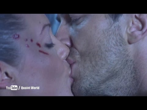Angelina Jolie Kissing Gerard Butler | Lara Croft Tomb Raider: The Cradle Of Life