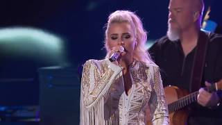 "Luke Bryan & Gabby Barrett Sing ""Sunrise, Sunburn, Sunset"" & ""Most People Are Good""   American Idol"