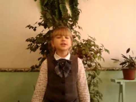 Изображение предпросмотра прочтения – МарияБондар читает произведение «Колоколенка души» ПетраАлексеевичаСинявского