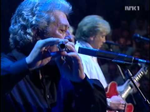 "The Moody Blues ""Words You Say""&""The Story In Your Eyes"" Live"
