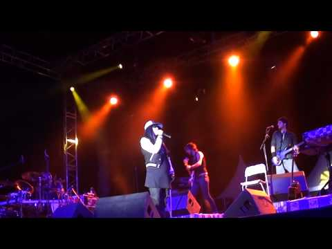 Jena Lee - Du Style - Concert à Bandol (83) le 29 juillet 2010 - HQ